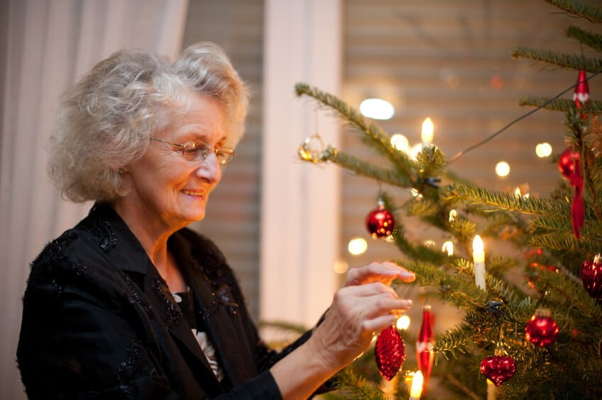 5 Tips to Make the Holidays Easier for Alzheimer's Caregivers