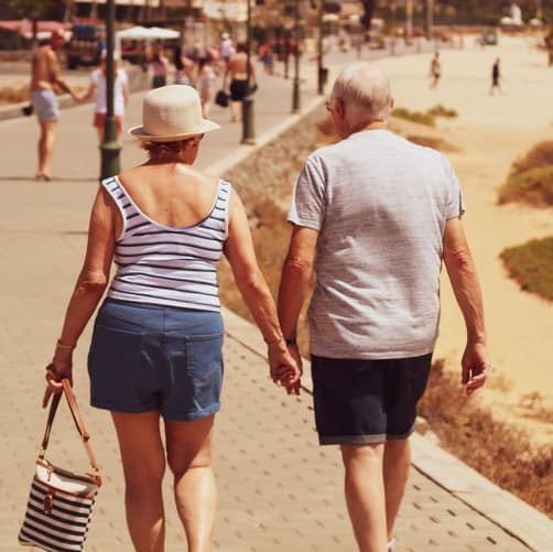 6 Summer Safety Tips for Seniors to Avoid Dehydration